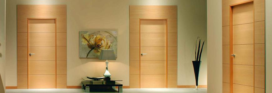 Como seleccionar la mejor puerta de madera para mi cocina for Puertas modernas interior precios