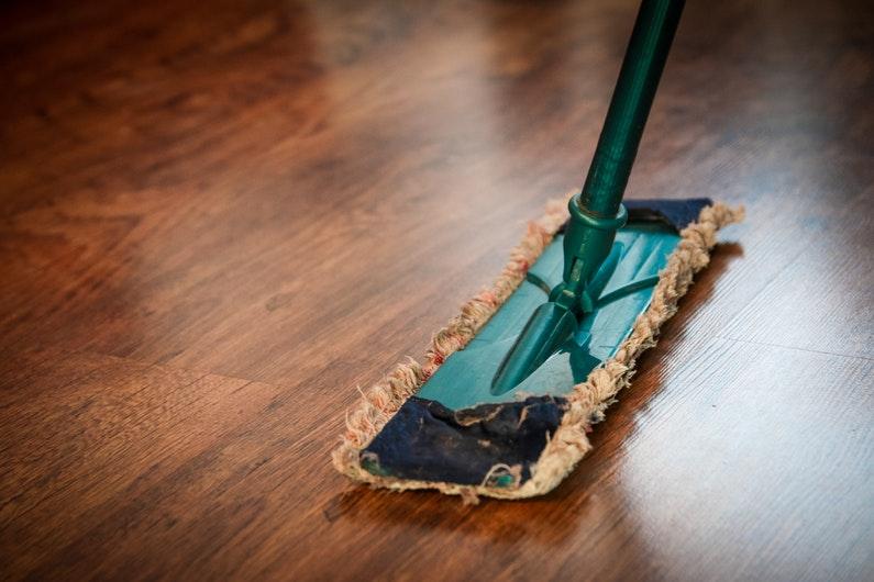 Cuida tus muebles de madera de forma ecológica