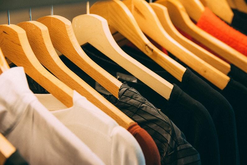 Consejos para guardar la ropa fuera de temporada