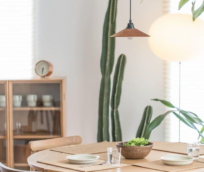 Cómo integrar la madera natural en tu decoración