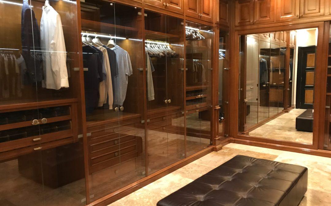 Las ventajas de tener un vestidor en casa